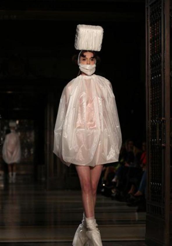 伦敦时装周里的奇葩人物造型! 1