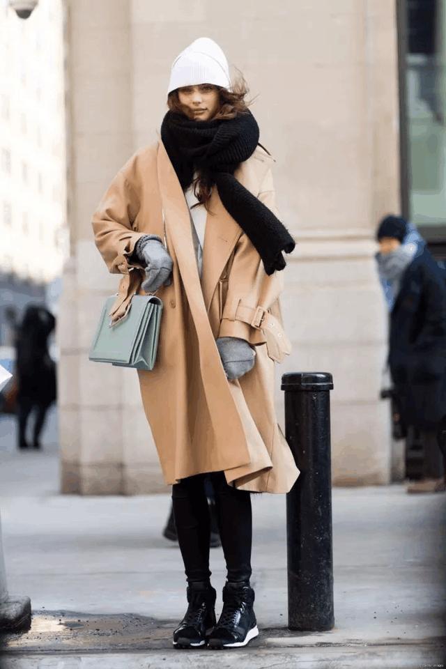 今年冬天穿这显贵的颜色, 保暖又时髦的大衣 12