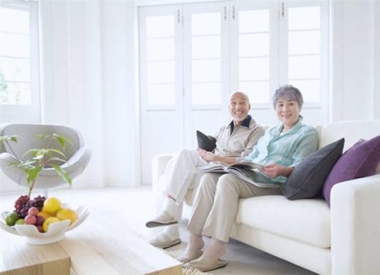 调查: 日本因癌去世者高龄化现象逐年增加