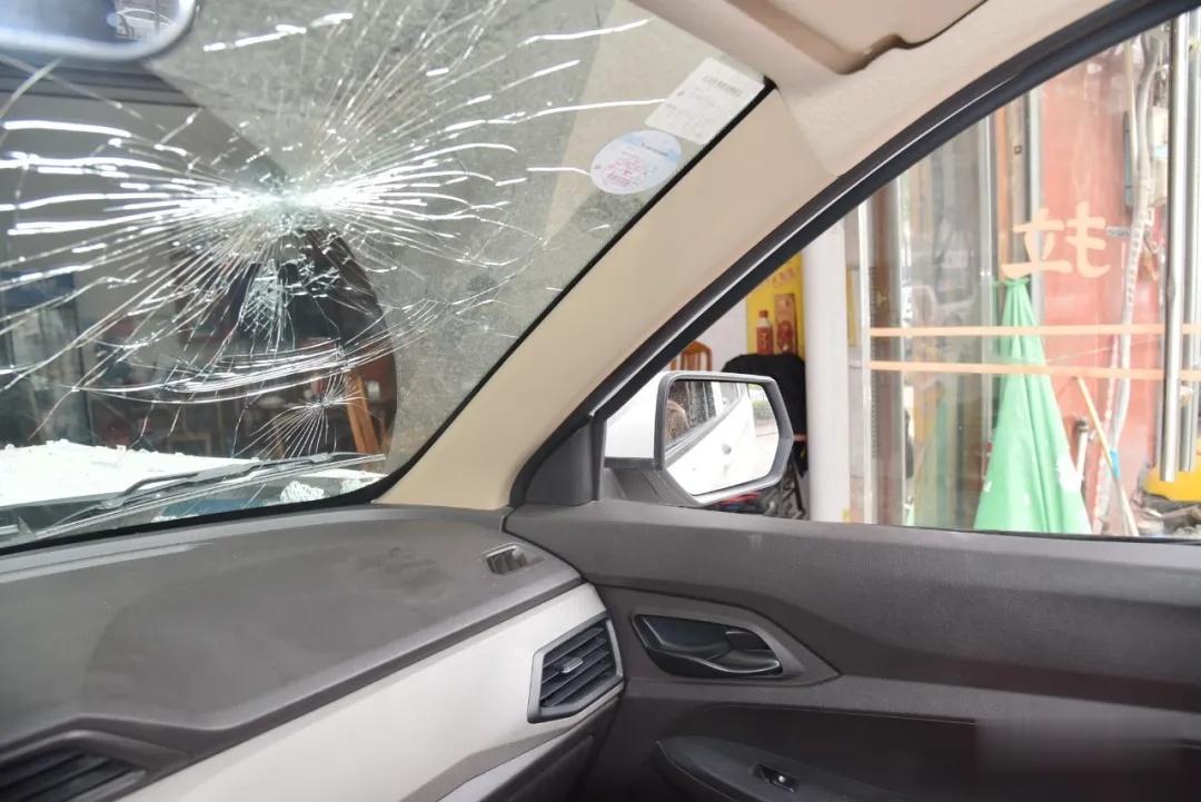 女子練習科目二錯把油門當剎車撞進門店, 七旬老人不幸身亡-圖4