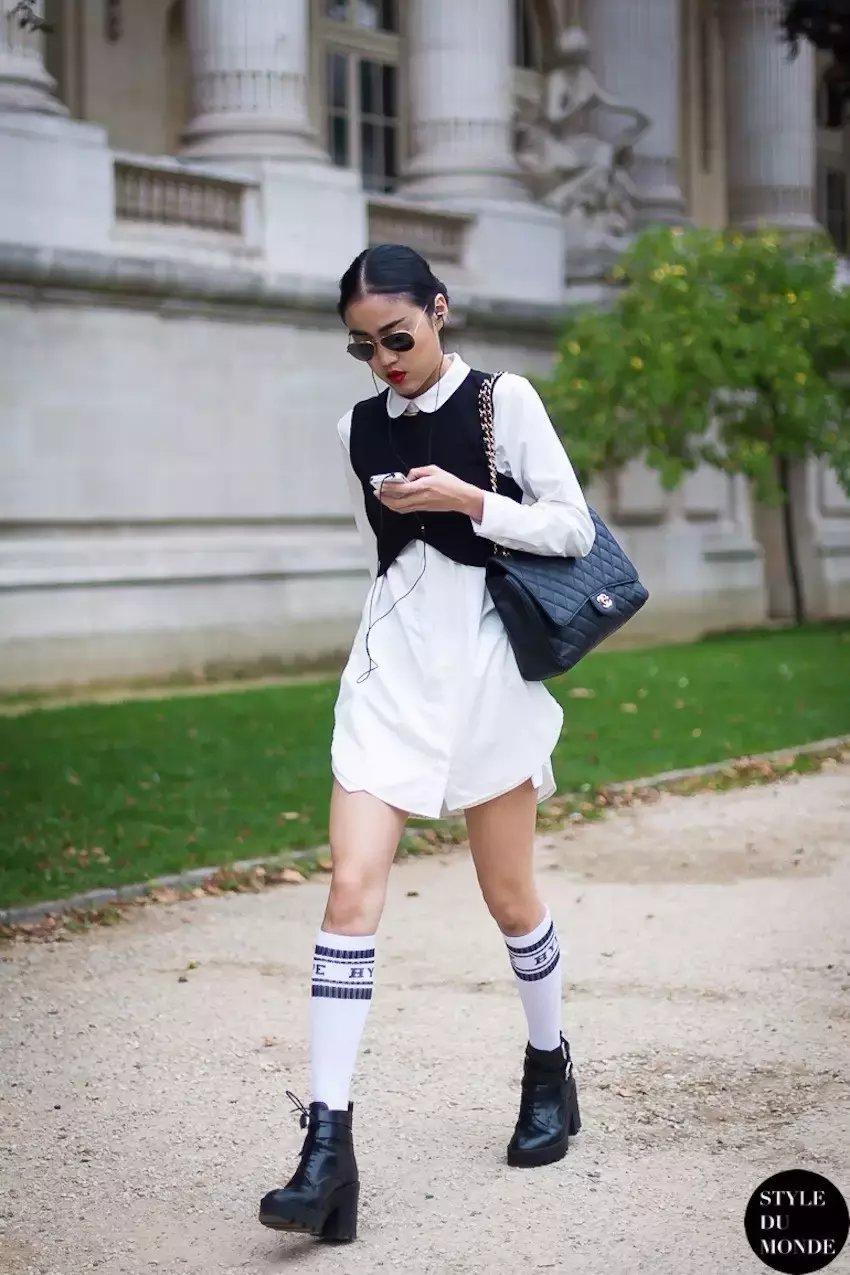 裙子+短靴才是初秋最时髦搭配! 14