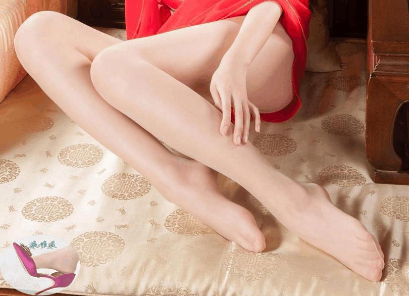高跟鞋美女美姿秀雅, 又高又直的长腿高挑而充满活力 1