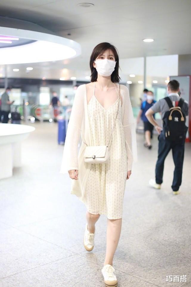 喬欣太美瞭!墨綠長裙復古有格調,變身80年代的港風少女-圖10