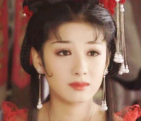 黃奕的李玉湖, 林心如的建寧公主, 趙薇的小燕子, 都沒她驚艷-圖2