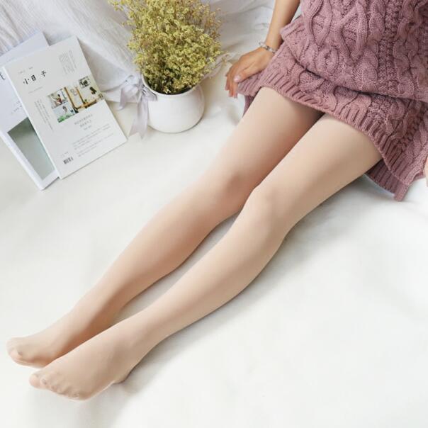 男人都喜欢女人穿这样的打底裤, 显瘦不止一点点