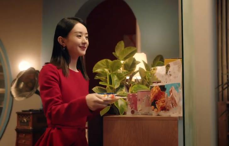 """趙麗穎""""糖果廣告""""出圈瞭, 看清她吃糖的動作, 哪個贊助商不愛?-圖10"""