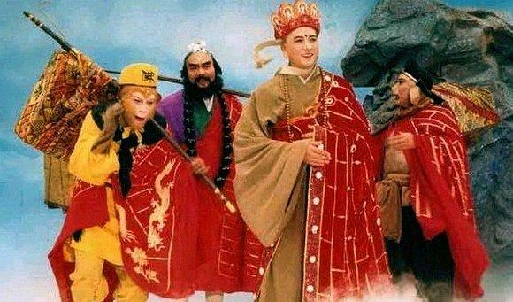 最老版的《西遊記》, 為什麼會被禁播? 網友: 看看女妖精的穿啥-圖2