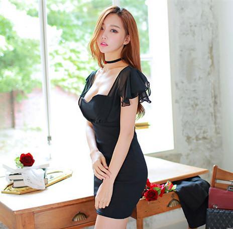 我最喜欢女票穿这的这套黑色连衣裙, 走在接上倍有面子 9