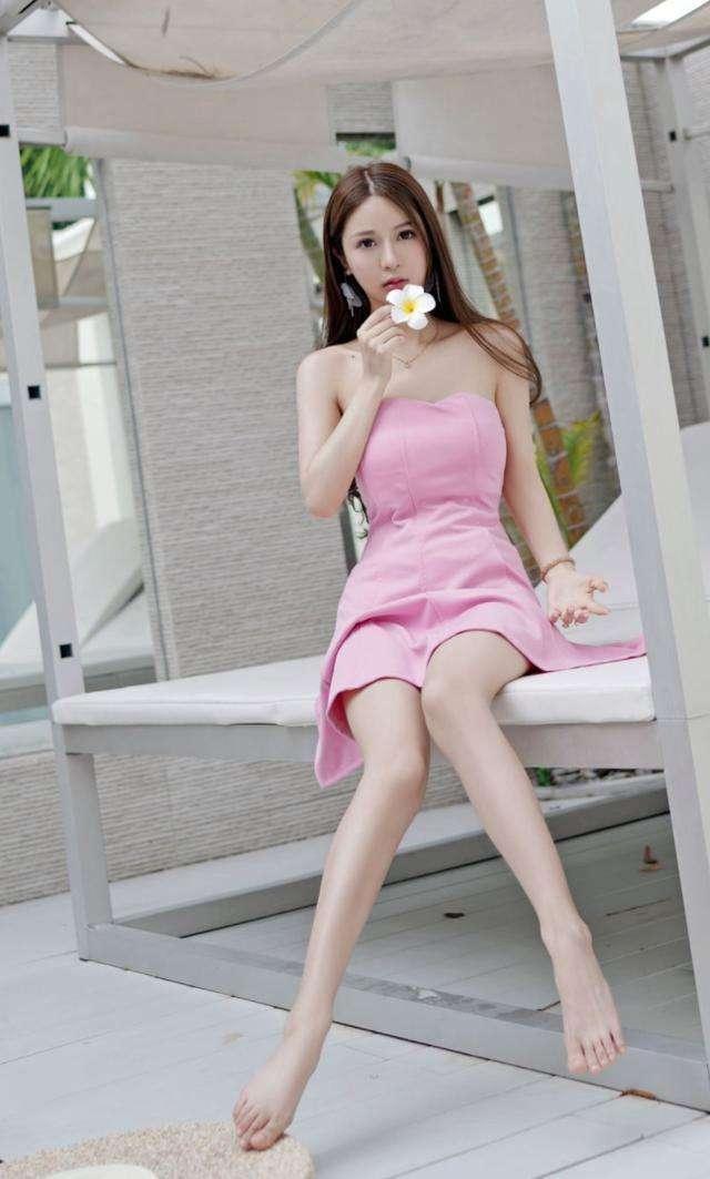 长腿粉色短裙女神, 皮肤白皙 唯美气质 5