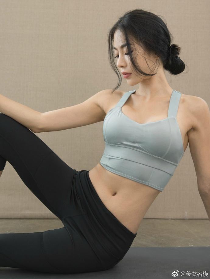 运动中的女人总是格外的迷人, 运动装功不可没 4
