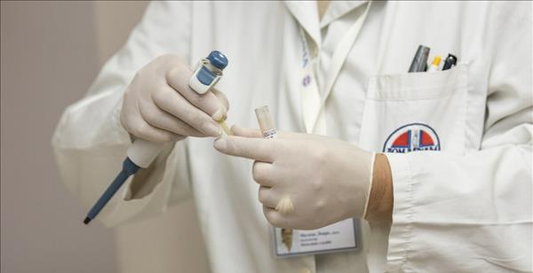 瑞典疫苗闖大禍! 一名志願者註射後死亡, 嫉恨中方疫苗拿華為泄憤-圖3