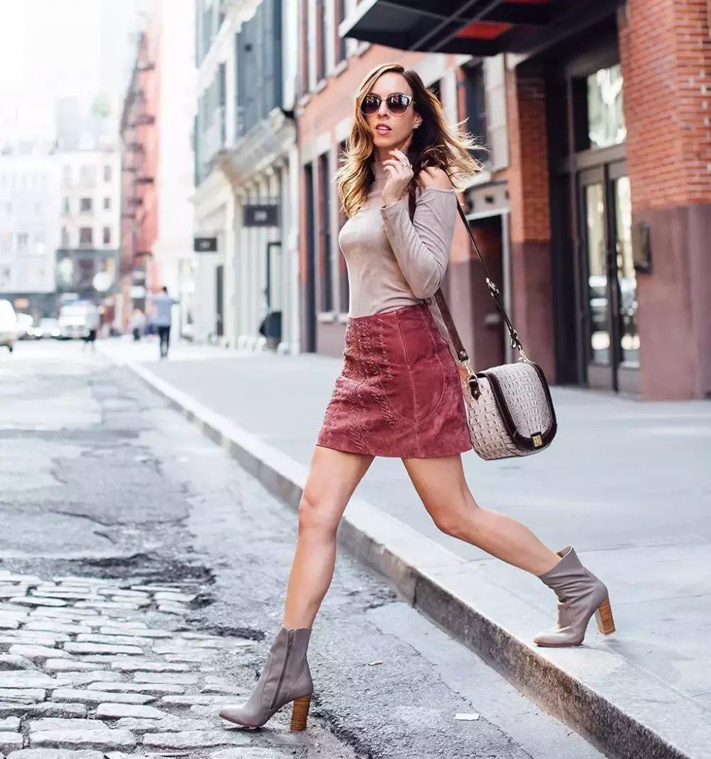 裙子+短靴才是初秋最时髦搭配! 16