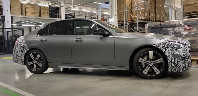全新奔馳C級即將發佈, 內飾比肩S級, C63車型將換四缸發動機-圖6