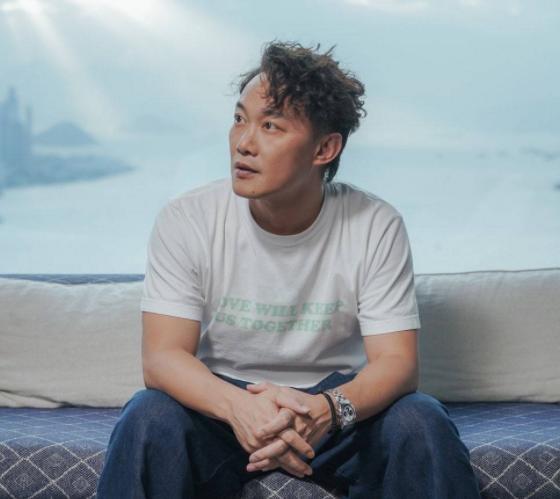 陳奕迅稱很久沒有收入瞭, 香港明星哭窮的樣子, 真是讓人啼笑皆非-圖2