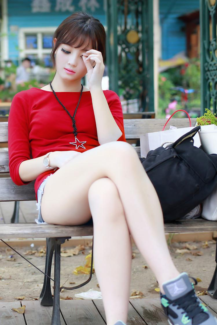 时尚热裤美艳足, 摇身一变万人迷