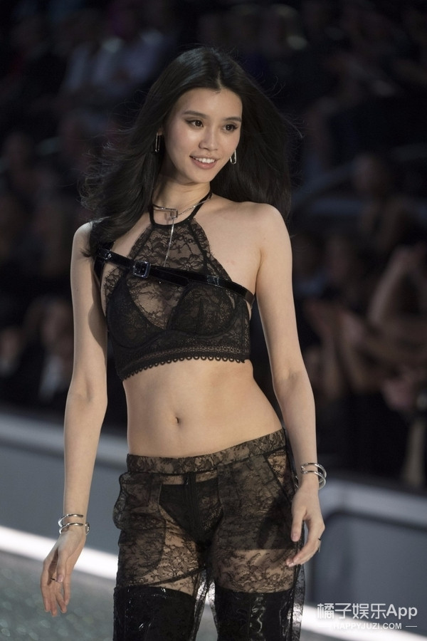 今年11月能在上海看维秘秀! 期待中国超模们的美颜盛世! 30