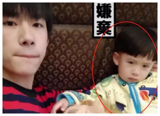 易烊千璽是啥神仙傢庭? 哥哥是娛樂圈頂流, 弟弟7歲就破世界紀錄-圖10