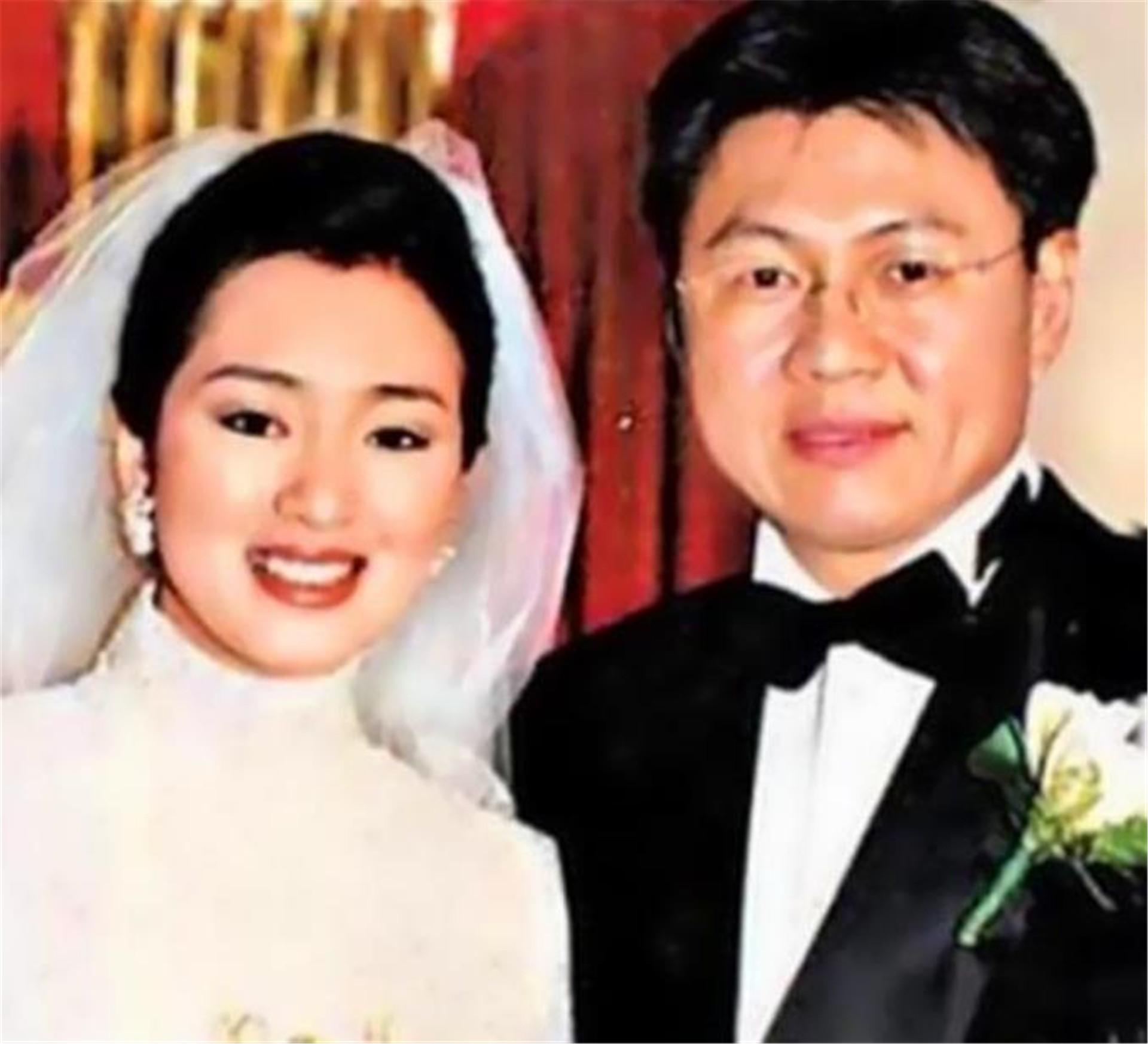揚言不嫁中國人, 卻兩次被老外拋棄, 如今她帶著兒子回國撈金-圖7