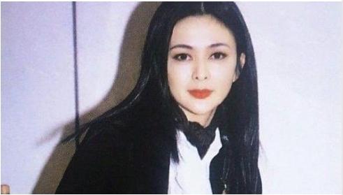 5次拒絕劉鑾雄的求婚, 卻甘願為60歲富翁生孩子, 她到底圖什麼?-圖3