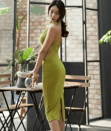 抹茶色紧身连衣裙 腰部的设计画龙点睛 4