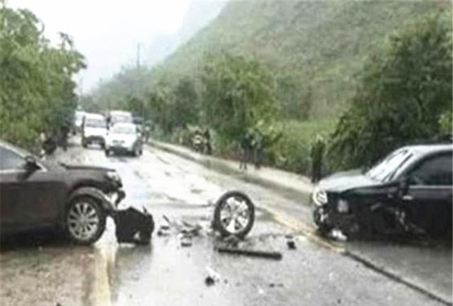 比亞迪撞上漢蘭達, 看到車損車主臉都黑瞭: 日系車國產車差距太大-圖1