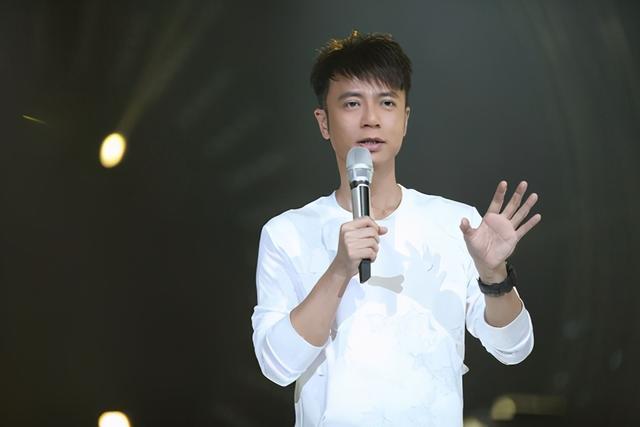 陳奕迅稱很久沒有收入瞭, 香港明星哭窮的樣子, 真是讓人啼笑皆非-圖12