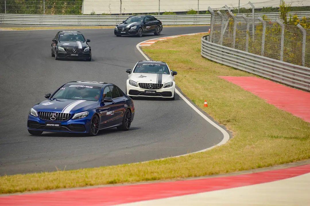 試駕奔馳AMG全系車型是種什麼體驗?-圖2