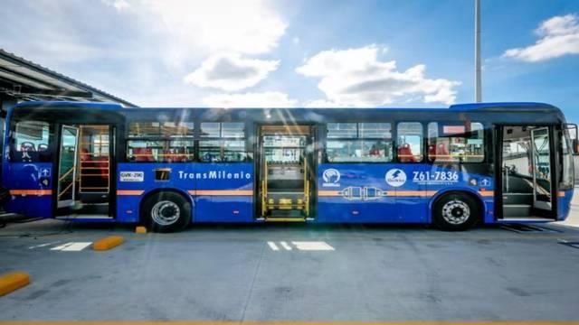 比亞迪出擊特斯拉短板, 拿下海外最大純電動巴士訂單-圖1
