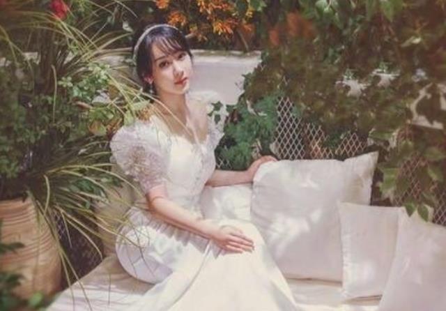 楊紫曬婚紗照, 鏡子中的自己卻忘記P圖, 原來這才是新娘真實模樣-圖4