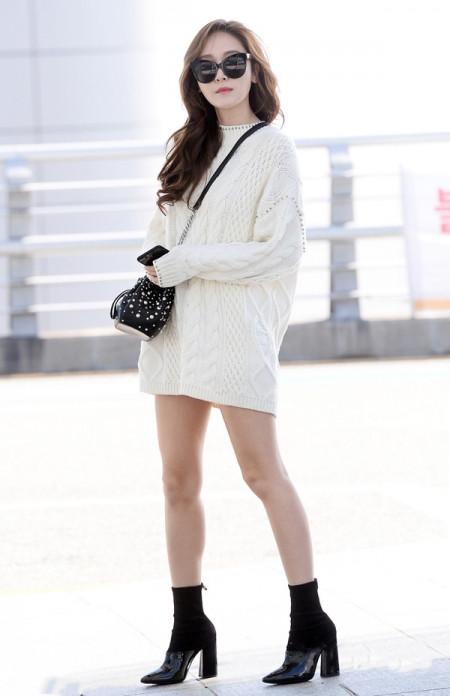 白色毛衣配什么鞋子 7种搭配方法文艺摩登造型随便凹 5