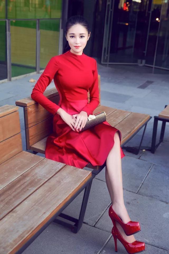 一套符合你气质红色连衣裙, 让你靓丽每一刻! 1