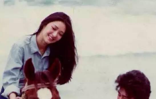 林青霞40年前穿的旧衣服, 比你身上穿的要时髦! 9