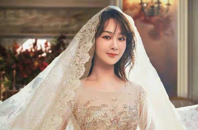 楊紫曬婚紗照, 鏡子中的自己卻忘記P圖, 原來這才是新娘真實模樣-圖3