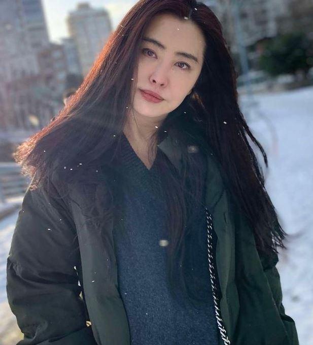 王祖賢曝28年前舊照悼念吳孟達, 網友鼻酸: 後面2位都不在瞭-圖2