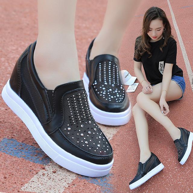 """小白鞋已过时了, 火遍时尚圈的""""一脚蹬"""", 连赵薇、杨幂都在穿 2"""