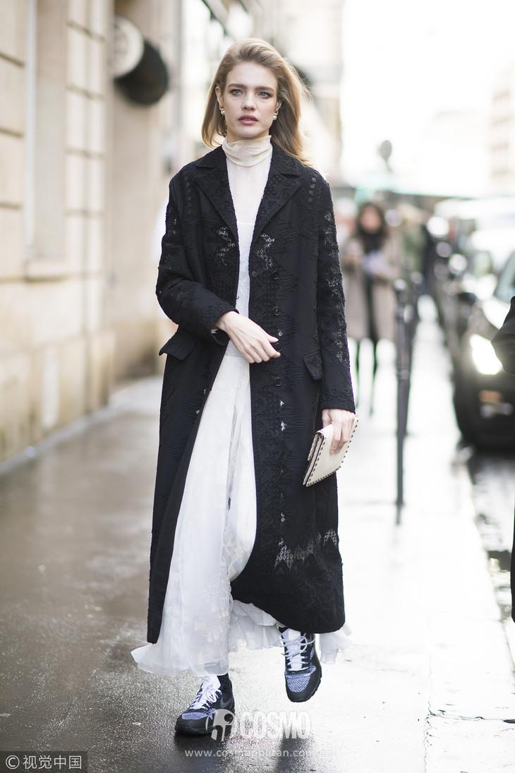 时髦办 | 刘雯的呢子裙何穗的百褶裙, 超模的最爱你也能穿? 12