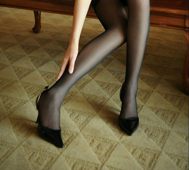 穿丝袜的女人很有女人味