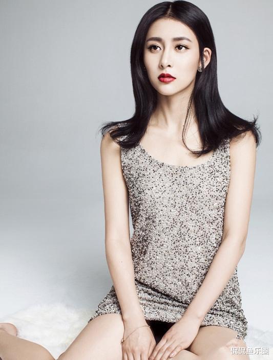 34歲賈青, 顏值姣好身材有料, 好身型讓無數女生羨慕-圖1