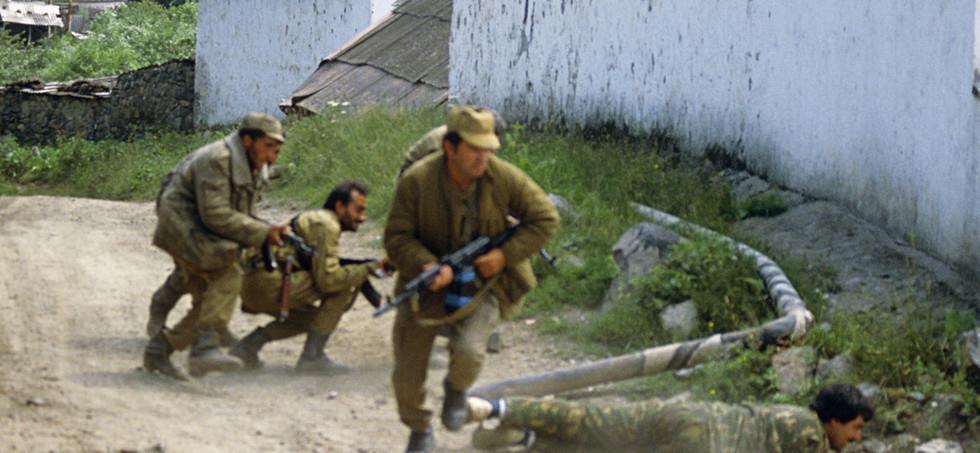 阿塞拜疆這一幕引全球公憤! 槍殺舉手投降士兵, 多國準備派兵介入-圖2