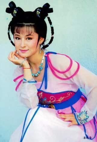 曾經50歲飾演少女紅拂, 驚為天人, 如今單身40年仍然美出圈-圖13