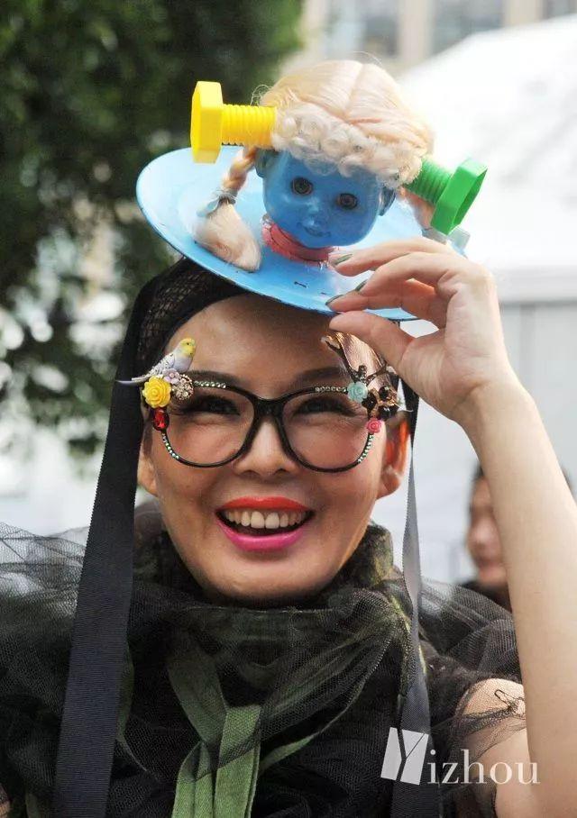上海时装周的街拍又来刷新三观了 27