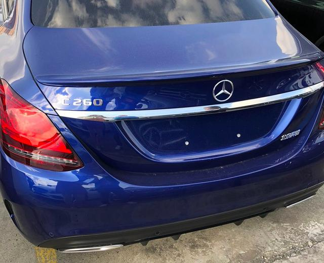 2021款奔馳C級實拍! 寶石藍色車身很洋氣, 售30.78萬元起-圖6