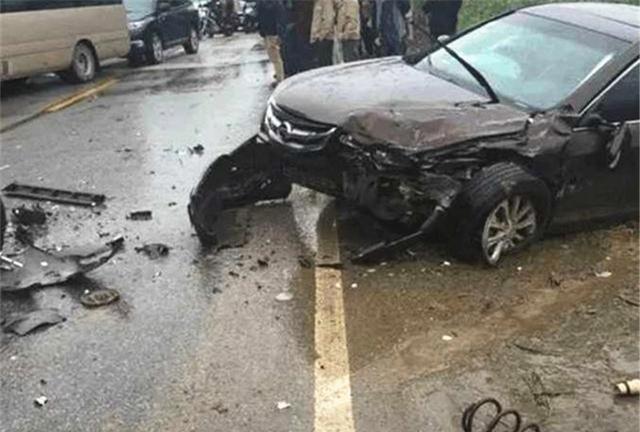 比亞迪撞上漢蘭達, 看到車損車主臉都黑瞭: 日系車國產車差距太大-圖2