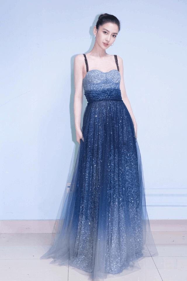 Angelababy换了眉型更美了, 穿星空裙亮相, 光芒万千宛若仙女! 2
