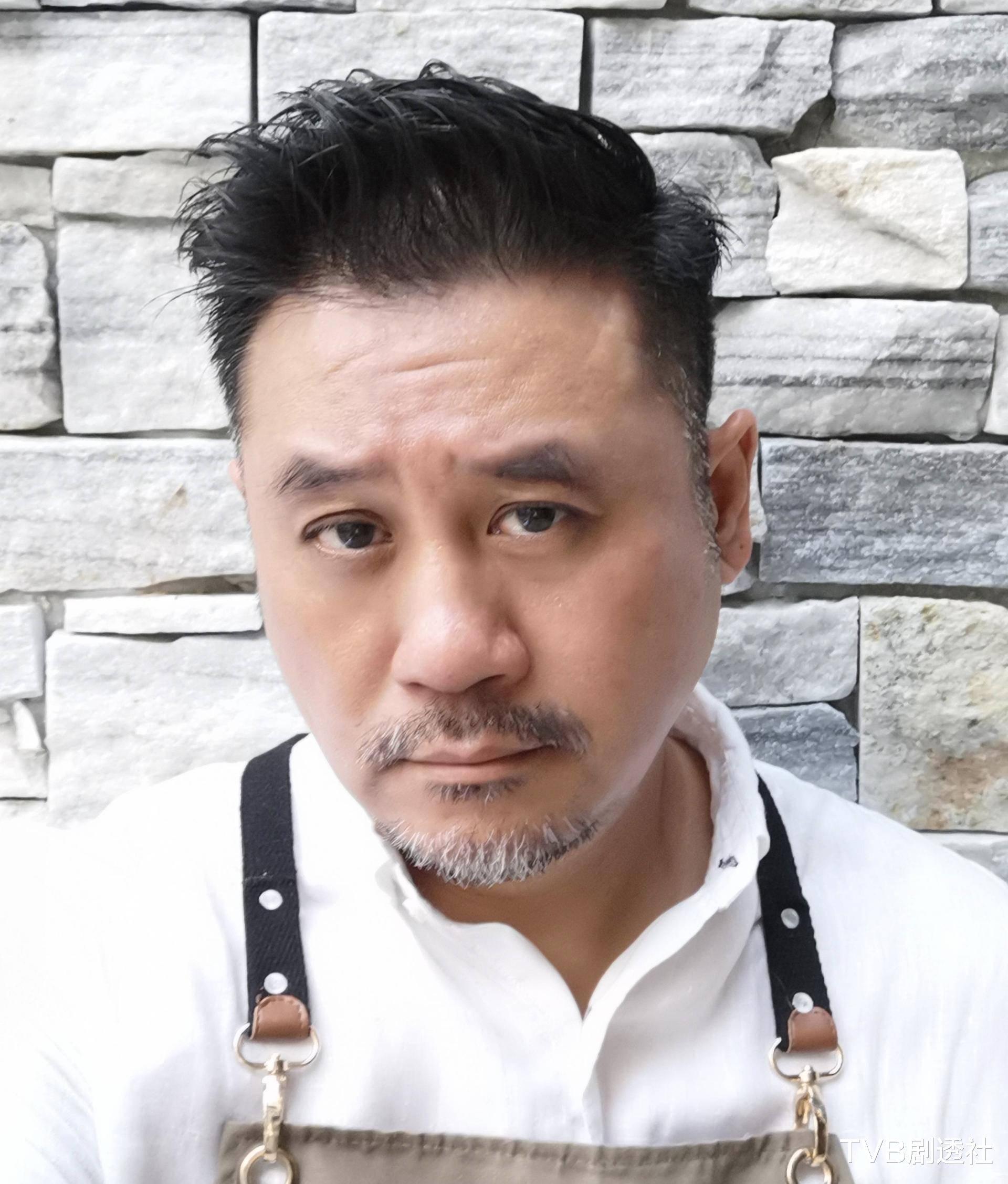 好慘! TVB男星餐廳被人潑紅油, 開業才三個月疑與人結怨-圖1
