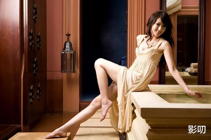 臺灣第二名模, 她是會撒嬌的犀利人妻, 也是3個孩子的性感辣媽-圖1