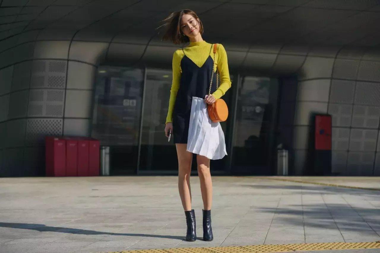 裙子+短靴才是初秋最时髦搭配! 3