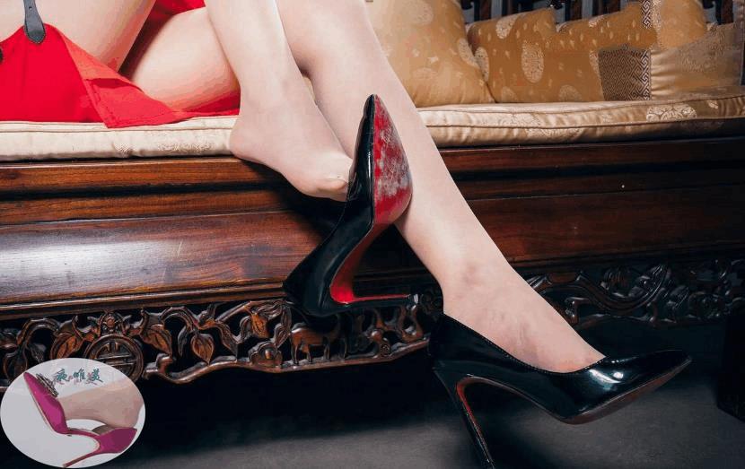 高跟鞋美女美姿秀雅, 又高又直的长腿高挑而充满活力 3