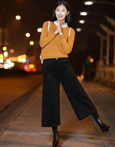 打底裤配裙装早已烂大街, 现流行呢大衣+阔腿裤, 显瘦洋气更抢镜 7