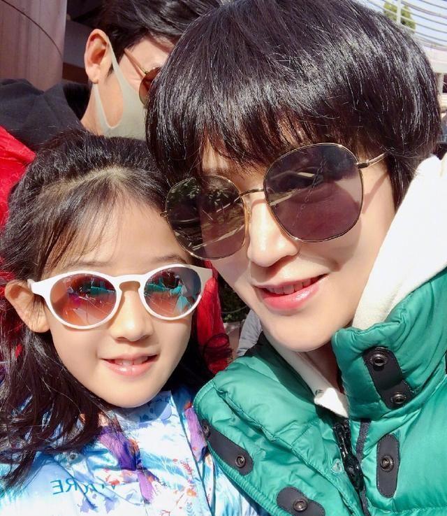 陸毅炫耀女兒生日照, 繼承媽媽鮑蕾的仙氣, 12歲陸貝兒成大美女-圖8
